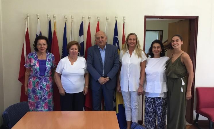 Συνάντηση του υφυπουργού Εξωτερικών, Γιάννη Αμανατίδη με μέλη του Κέντρου UNESCO για τις Γυναίκες και την Ειρήνη στα Βαλκάνια (Θεσσαλονίκη)