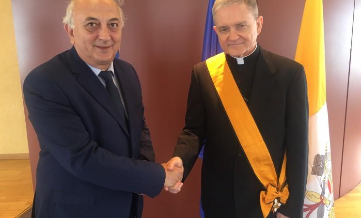 Συνάντηση Υφυπουργού Εξωτερικών, Γιάννη Αμανατίδη με τον Αποστολικό Νούντσιο της Αγίας Έδρας στην Ελλάδα