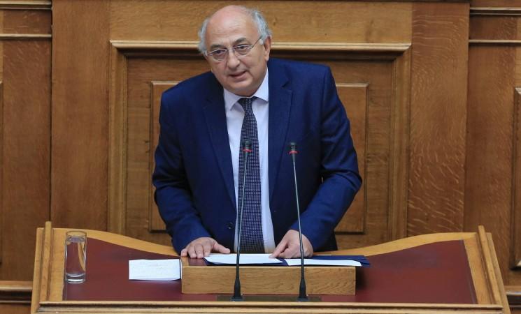 Αμανατίδης στη Βουλή: «Λάθος πόρτα χτύπησαν» (video)